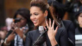 Beyonce Knowles Performs On NBC's 'Today'