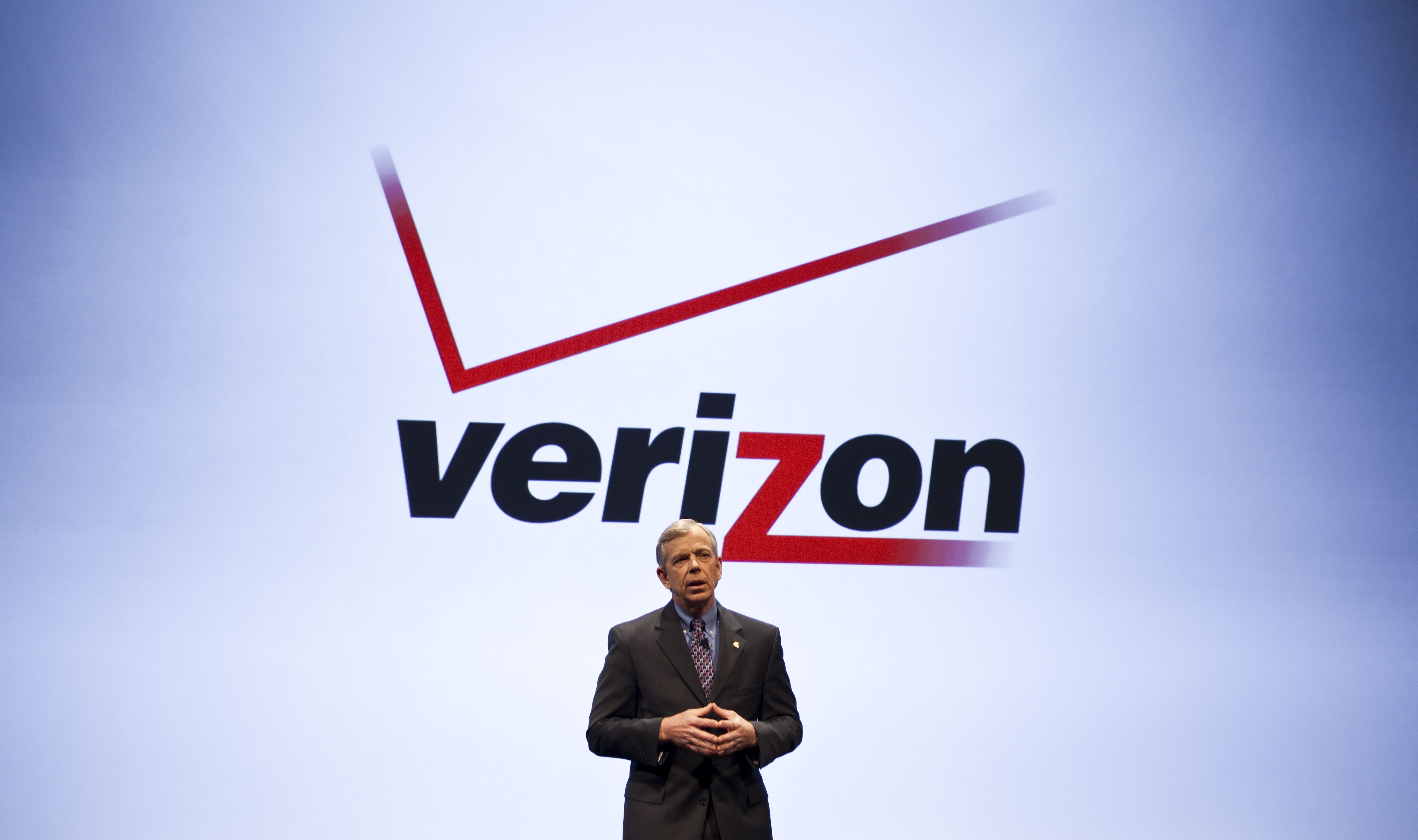 USA - Business - Verizon to Sell iPhone