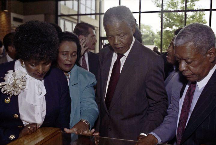 Mandela visting Martin Luther King's memorial in Atlanta.