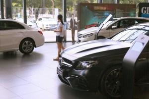 Mercedes-Benz dealership in China