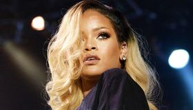Rihanna Perform In Istanbul