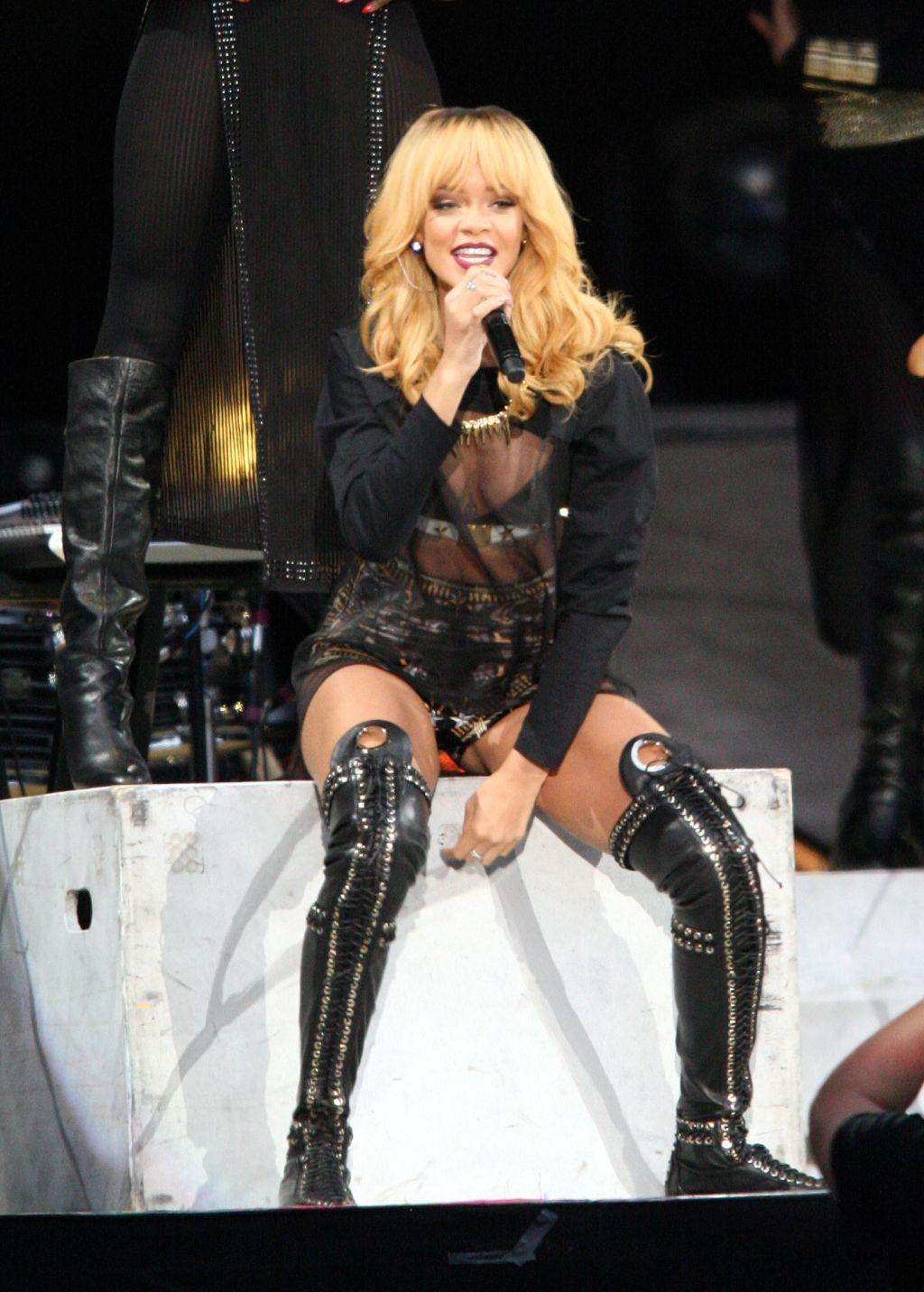 Rihanna Performs At Twickenham Stadium - 'Diamonds' Tour