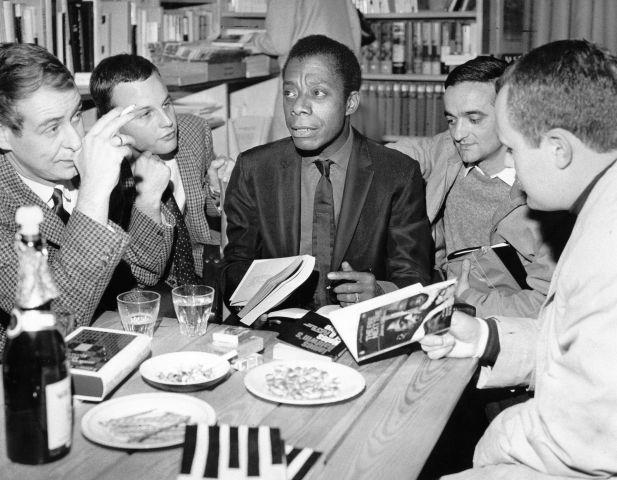 Baldwin, James - Schriftsteller, USA - bei einer Autogrammstunde in Marga Schoellers Bücherstube in Berlin