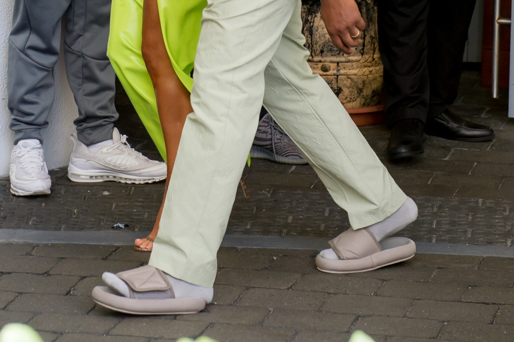 Kanye West wears Yeezy slides to 2 Chainz's wedding