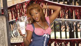kelis' milkshake sexy dance clips