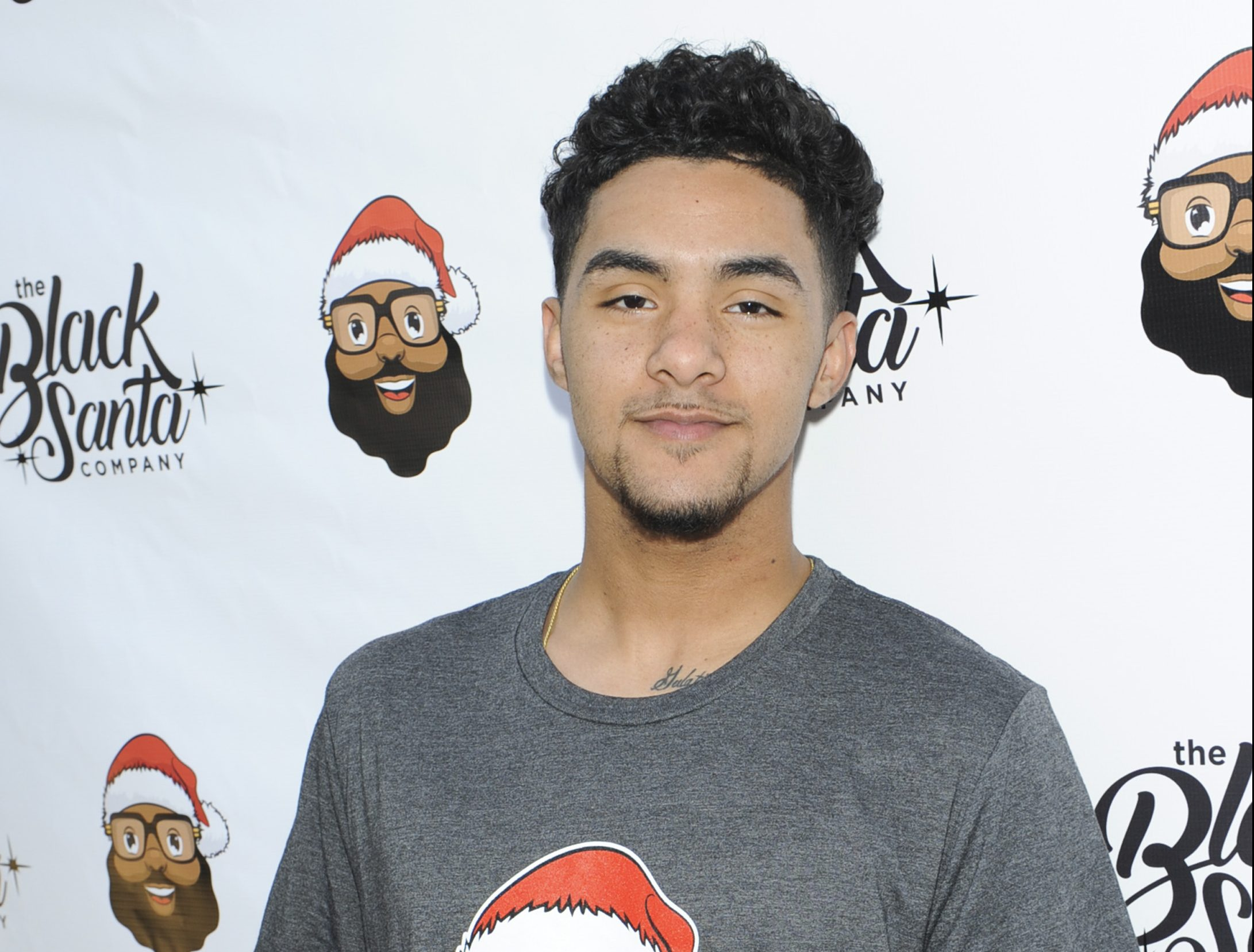 Baron Davis hosts Black Santa Celebrity Basketball Fundraiser