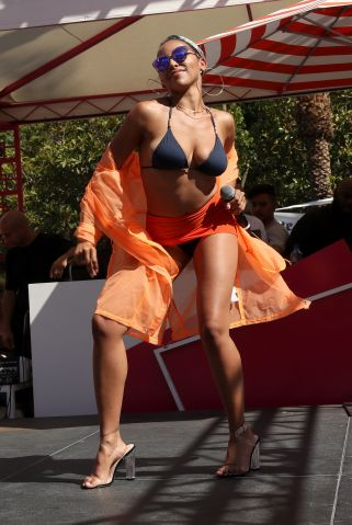 Tinashe Performs at Go Pool