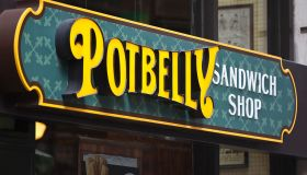 restaurants free discounts workers government shutdown
