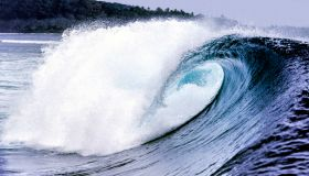 Indonesia, Waves in the Indian Ocean