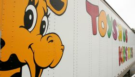 Toys 'R' Us Makes Comeback With First New U.S. Store