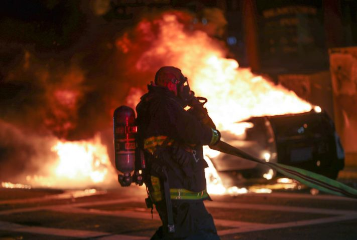 Boston Protests Start Peacefully, end With Clashes With Police, Looting