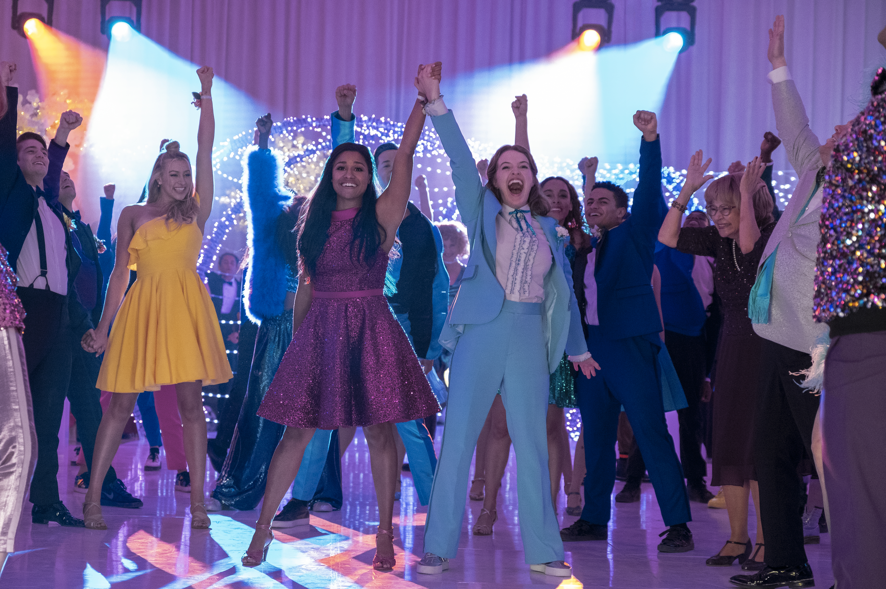 """It's Time To Dance! The Official Trailer For Netflix's """"The PROM"""" Is Here"""
