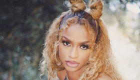 singer Melii