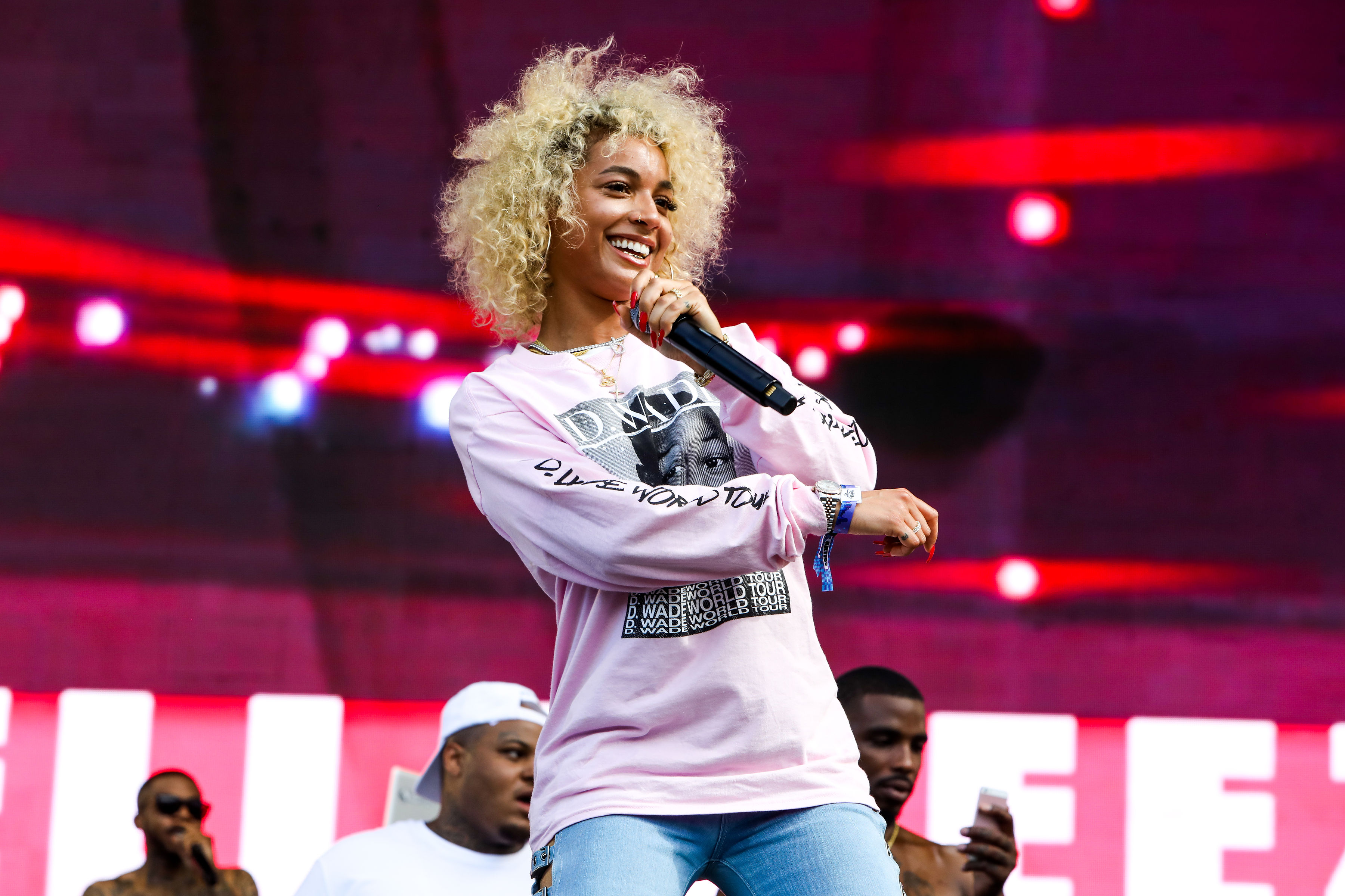 DaniLeigh Is Trending For Her New Light-Skinned Anthem And Fans Are UPSET