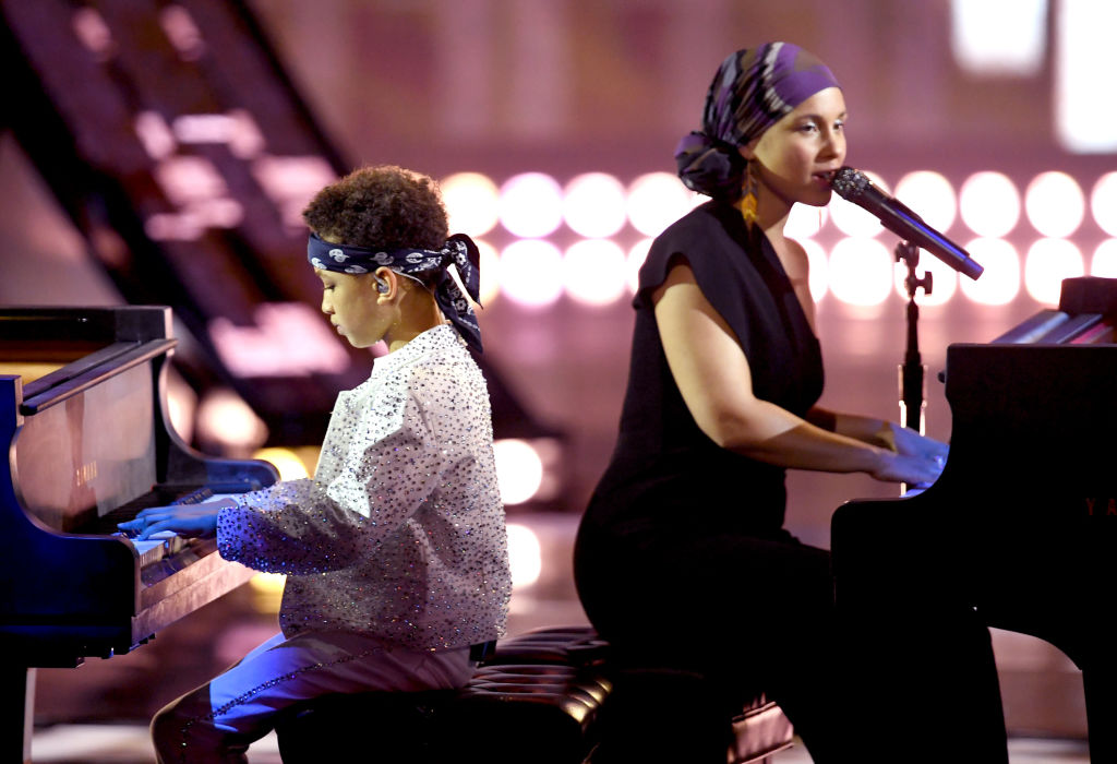 Alicia Keys and son Egypt Dean perform at 2019 iHeartRadio Music Awards