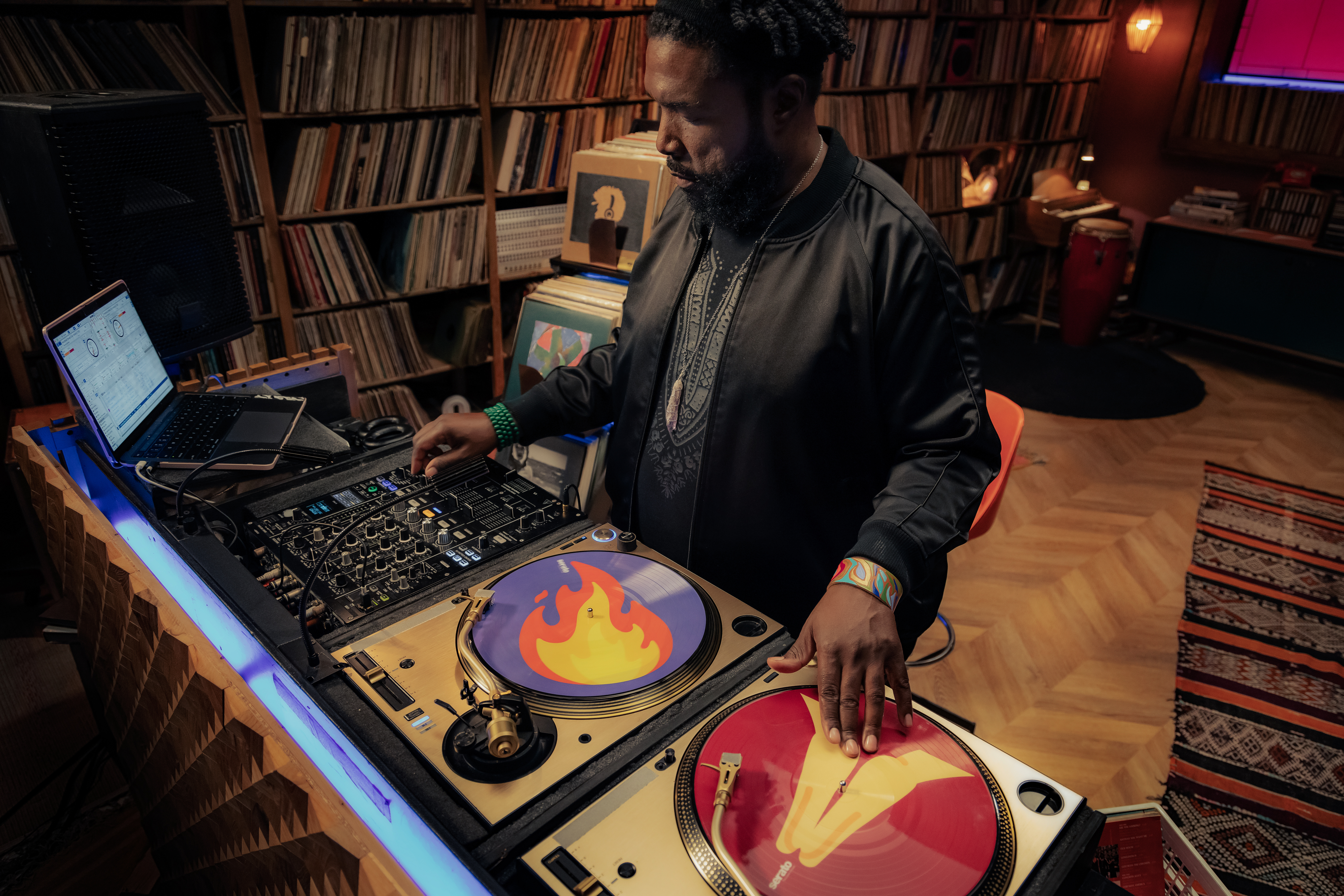 Questlove teaches MasterClass in DJing and music curation