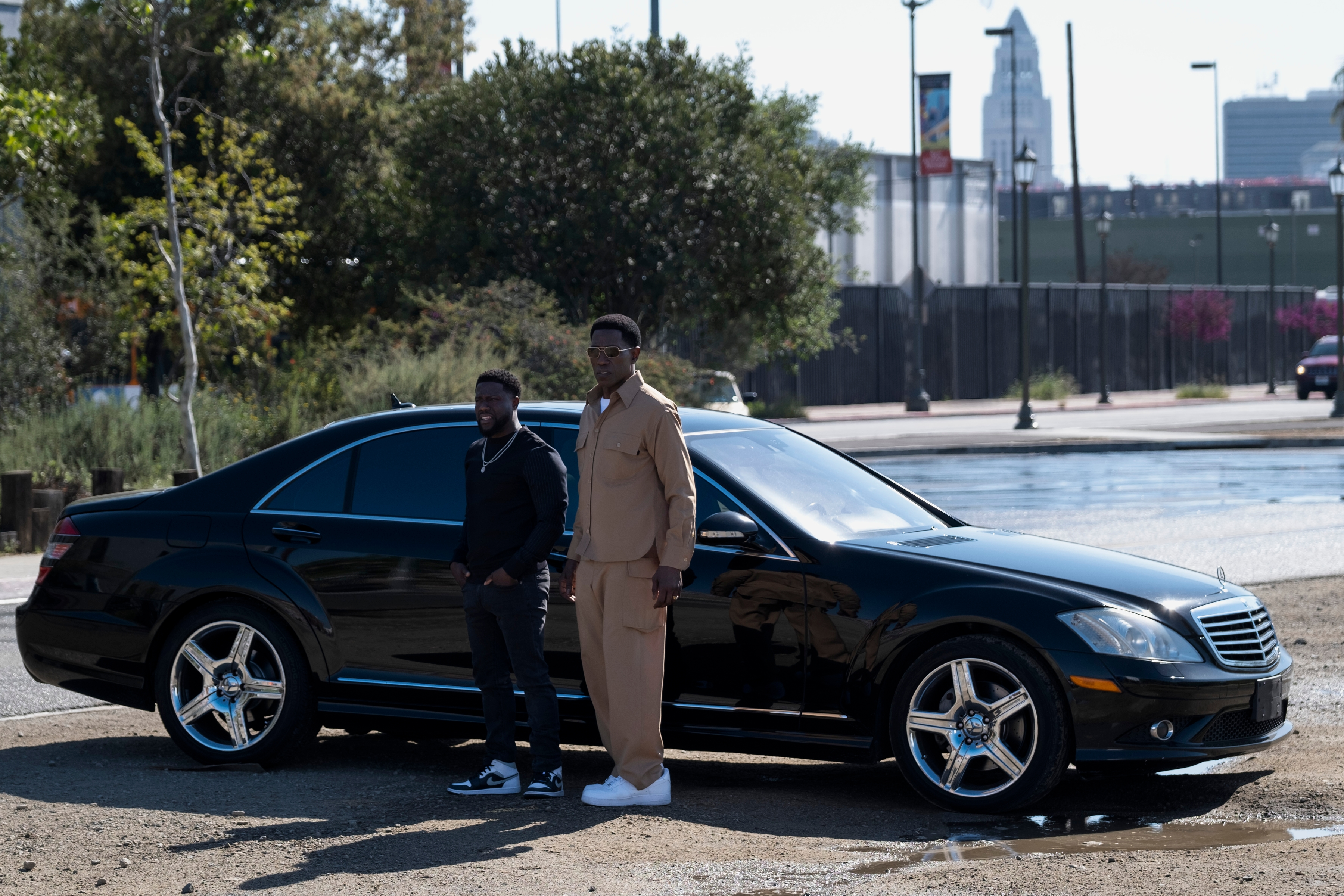 Kevin Hart and Wesley Snipes star in 'True Story' for Netflix